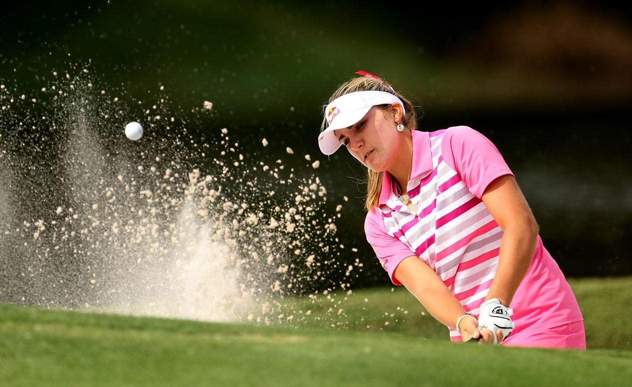 Paula Creamer Bunker. Serra Golf Academy, donde el golf es pasión. Bunkers